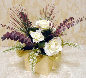 CLICK: Large view of completed 5-step silk flower centerpiece (new window)