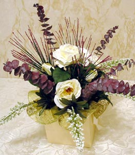 CLICK for large picture of Easy 5 Step Silk Flower Centerpiece (new window)